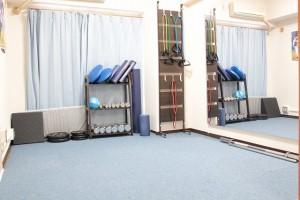 充実した器具を揃えたトレーニングルーム。