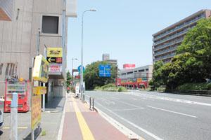 第一京浜を川崎方面に進むとオリンピックが右手側に見えてきます。